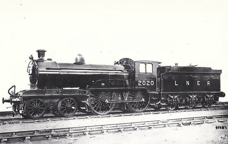 Class D20 - 2020 - Worsdell NER Class R 4-4-0 - built 12/1899 by Gateshead Works as NER No.2020 - 1936  rebuilt by Gresley as Class D20/2, 09/49 to BR No.62349 - 02/56 withdrawn from 50C Selby.