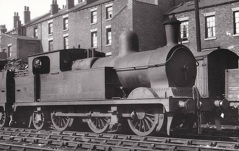 Class N4 - 5633 - Parker GCR Class 9A 0-6-2T - built 04/1891 by Neilson Reid & Co. as GCR No.633 - 09/25 to LNER No.5633, 07/46 to LNER No.9238 - 07/47 withdrawn.