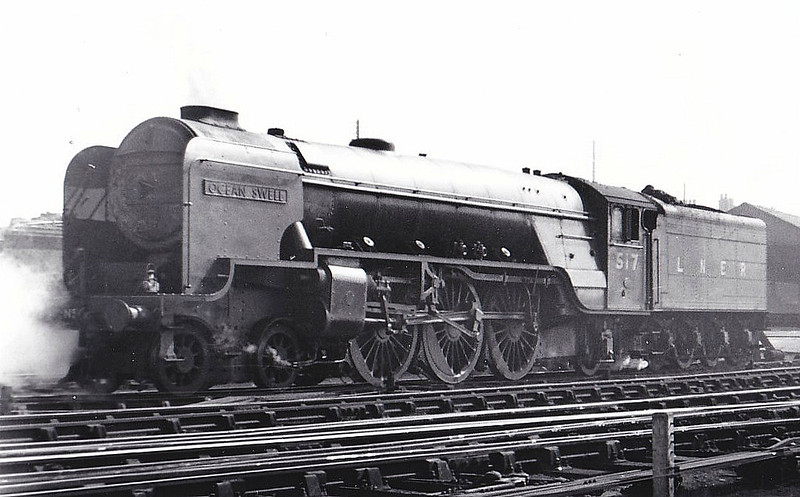Class A2 - 517 OCEAN SWELL - Thompson LNER/BR 4-6-2 - built 11/46 by Doncaster Works - 08/48 to BR No.60517 - 11/62 withdrawn from 52D Tweedmouth - seen here at Grantham, 04/47.