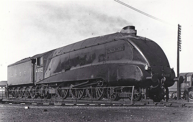 Class A4 - 4482 GOLDEN EAGLE - Gresley LNER 4-6-2 - built 12/36 by Doncaster Works - 11/46 to LNER No.23, 03/48 to BR No.60023 - 10/64 withdrawn from 61B Aberdeen Ferryhill - seen here at Grantham in 1936.