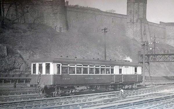 Diagram 96 - 36 ROYAL EAGLE - Sentinel LNER Diagram 96 Railcar - built 01/29 by Sentinel Waggon Works - 08/46 withdrawn - seen here at Edinburgh.