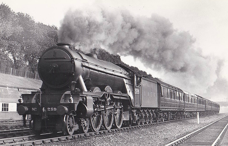 Class A3 - 2599 BOOK LAW - Gresley GNR/LNER 4-6-2 - built 07/30 by Doncaster Works - 09/46 to LNER No.88, 07/48 to BR No.60088 - 10/63 withdrawn from 52A Gateshead - seen here at Finsbury Park in 1937.