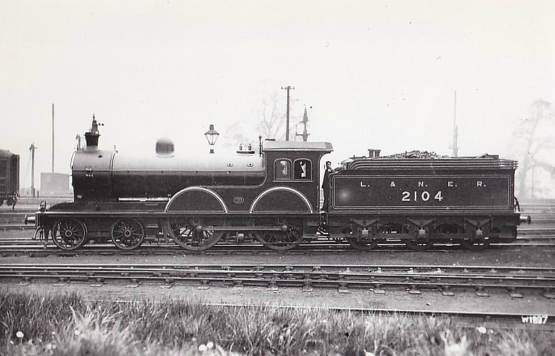 Class D20 - 2104 - Worsdell NER Class R 4-4-0 - built 02/00 by Gateshead Works as NER No.2104 - 1946 to LNER No.2363, 01/49 to BR No.62363 - 03/51 withdrawn from 50C Selby.