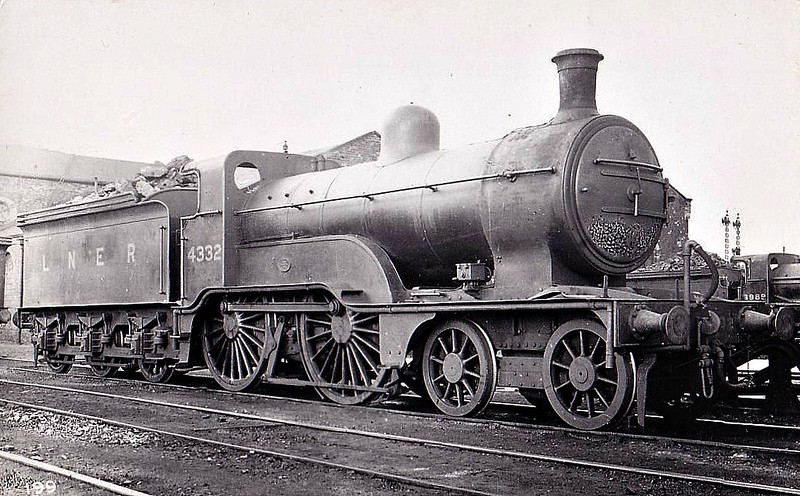 Class D 2 - 4332 - Ivatt GNR Class D2 4-4-0 - built 11/1898 by Doncaster Works as GNR No.1332 - 06/24 to LNER No.4332, 02/46 to LNER No.2160 - BR No.62160 not applied - 10/48 withdrawn from 34D Hitchin.