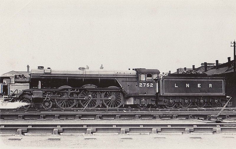 Class A3 - 2752 SPION KOP - Gresley 4-6-2 - built 04/29 by Doncaster Works - 06/46 to LNER No.98, 11/48 to BR No.60098 - 10/63 withdrawn from 64A St Margarets.