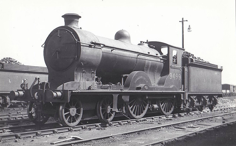 Class D30 - 9499 WANDERING WILLIE - Reid NBR 'Scott' Class J 4-4-0 - built 11/20 by Cowlairs Works as NBR No.499 - 1924 to LNER No.9499, 1946 to LNER No.2440, 04/50 to BR No.62440 - 08/58 withdrawn from 64G Hawick. - seen here at Carlisle, 08/32.
