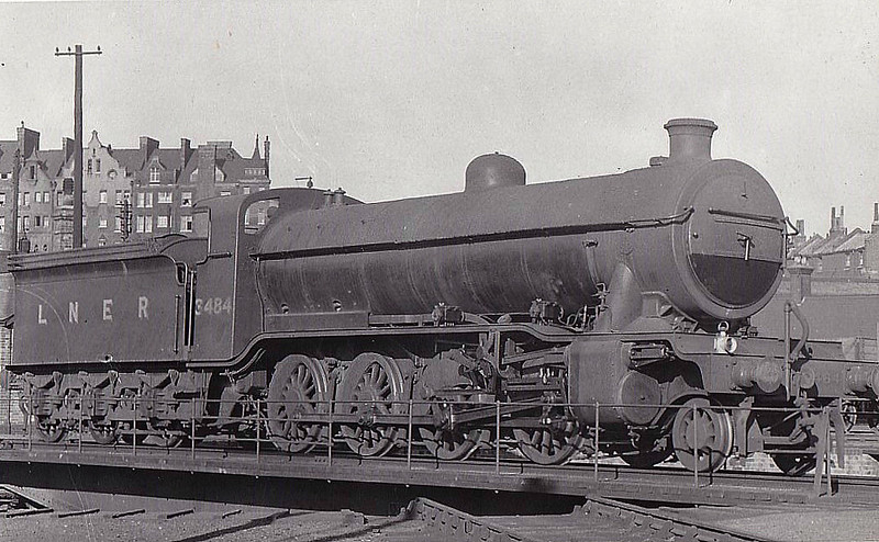 Class O2 - 3484 - Gresley GNR 2-8-0 - built 07/21 by North British Loco Co. as GNR No.484 - 01/26 to LNER No.3484, 08/46 to LNER No.3929, 11/48 to BR No.63929 - 07/62 withdrawn from 35B Grantham.