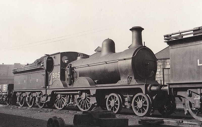 Class D46 - 6805 - Manson GNSR Class N 4-4-0 - built 1887 by Kittybrewster Works as GNSR No.5 KINMUNDY - 1890's name removed - 1923 to LNER No.6805 - 04/36 withdrawn from Kittybrewster MPD.