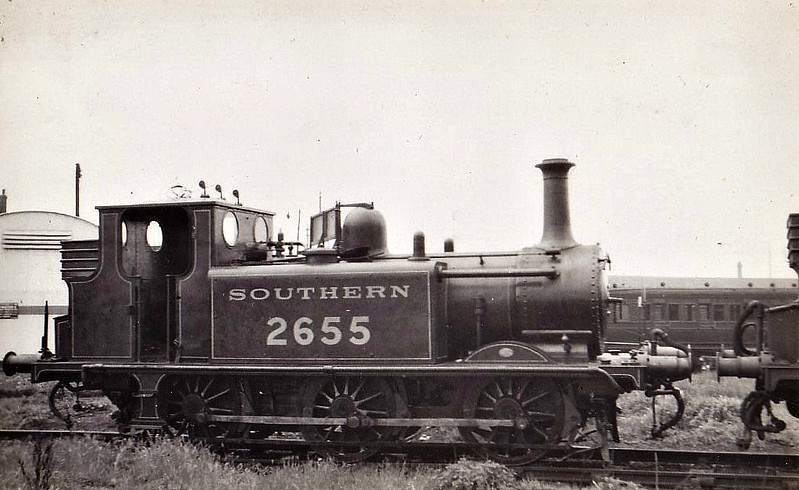 Class A1X - 2655 - Stroudley LBSCR Class A1X Terrier 0-6-0T - built 12/1875 by Brighton Works as LBSCR No.55 STEPNEY - 1901 to LBSCR No.655 STEPNEY, 1906 name removed, 1931 to SR No.2655, 12/49 to BR No.32655 - 05/60 withdrawn from 71A Eastleigh, preserved at Bluebell Railway - seen here at Fratton, 05/33.