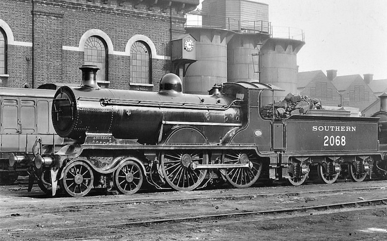 Class B4 - 2068 - Billinton LBSCR Class B4 4-4-0 - built 09/01 by Sharp Stewart as LBSCR No.68 MARLBOROUGH - 1931 to SR No.2067, 1935 2068 combined with 2050, BR No.32068 not applied - 06/51 withdrawn from 75G Eastbourne.