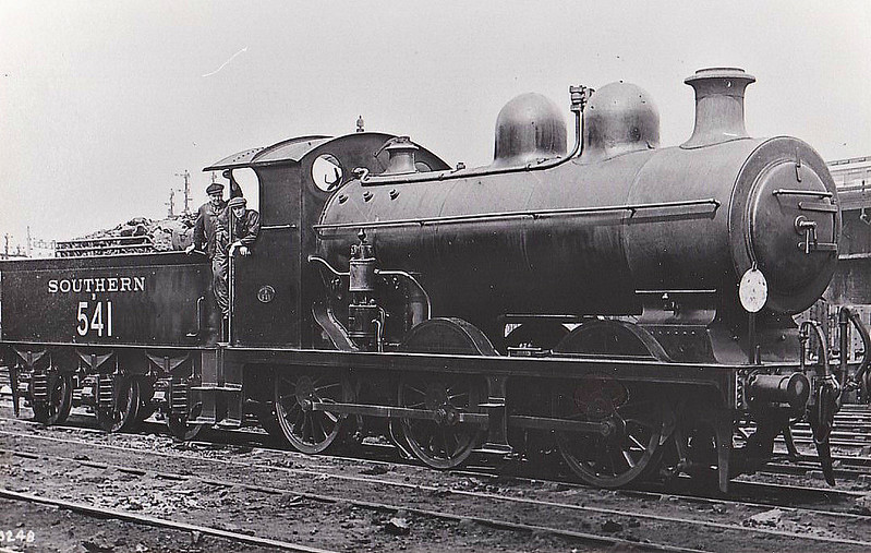 Class B2X - 541 - Billinton LBSCR Class C2 0-6-0 - built 12/01 by Vulcan Foundry Co. as LBSCR No.541 - 05/10 rebuilt to Class C2X - 1931 to SR No.2541, 03/50 to BR No.32541 - 02/61 withdrawn from 75XC Norwood Junction.