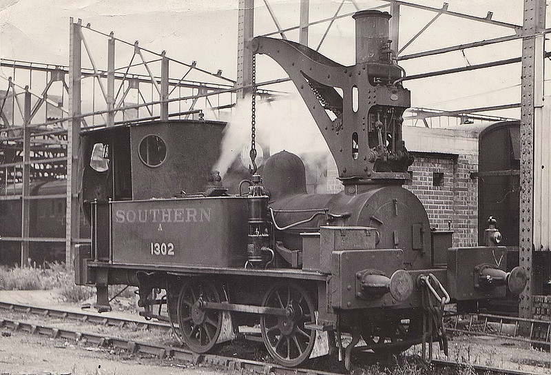 Class 1302 - 1302 - SER 0-4-0 Crane Tank - built 04/81 by Neilson & Co. as SER No.302 - 1927 to SR No.234S, 11/38 to SR No.1302 - BR No.31302 not applied - 07/49 withdrawn from 73A Stewarts Lane, where it was employed as milk depot shunter - seen here in 1931.