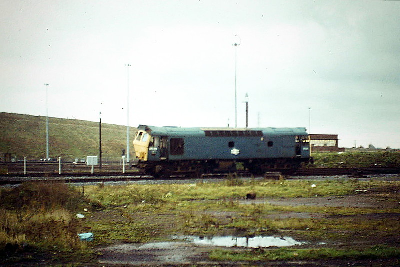 25151, withdrawn in September 1982 with what looks like fairly hefty accident damage, in an inmate of Toton training compound, 03/11/84. It was cut up on site by Vic Berry in November 1987.