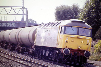 47379 TOTAL ENERGY hits the extreme camber through Bedford Midland on the Langley - Lindsey tank empties, 28/08/86. 47379 was built by Brush Falcon Works in 1965 as D1898 and was renumbered in January 1974. It was withdrawn in July 1999 and scrapped in January 2000.