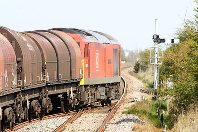 60062 STAINLESS PIONEER takes the single line at Hubberts Bridge on the Bescot Yard - Boston Sleaford Sidings export steel, 26/04/21.