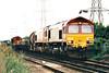 66003 and 66164 arrive at Hoo Junction on 6O74 Bescot - Hoo Junction Enterprise, 21/08/02.