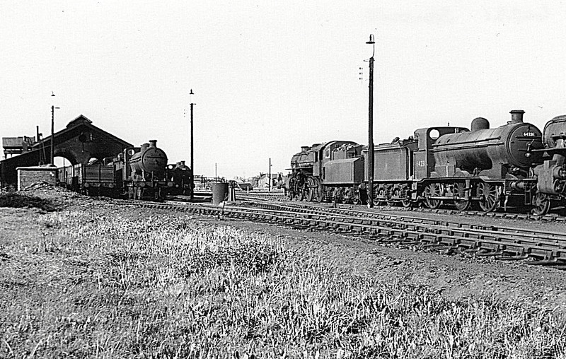 SPALDING LOCO DEPOT - Seen here in the 1950's, Class J6 No.64231 nearest the camera, flanked by 2 Ivatt Class 4MT's.