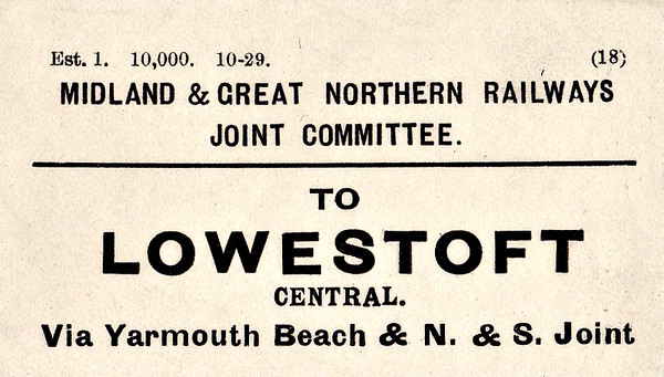 M&GN LUGGAGE/PARCEL LABEL - LOWESTOFT CENTRAL - via Yarmouth Beach and the N&S Joint Line - print date October 1929.