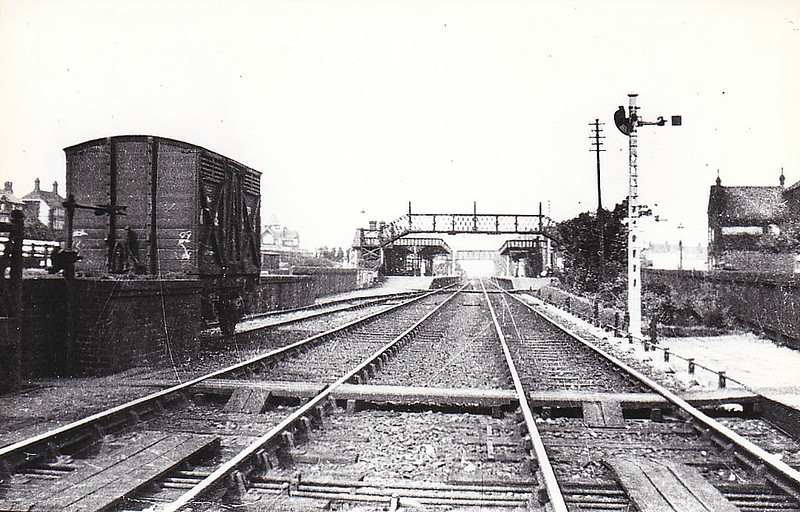 SHERINGHAM - Looking west from a perilous position. Taken, I think, at the same time as the pervious shot with the tablet exchanger in it. Note the other set of apparatus, in withdrawn position, at the left corner of the wagon.