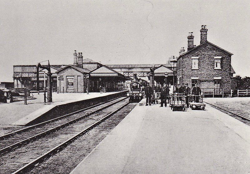 SPALDING - Opened in October 1848 by the GNR on the Peterborough to Boston and Lincoln routes, Spalding quickly expanded into a major railway centre, with lines to Holbeach in 1862, Bourne in 1866 and March in 1867. The railway map was competed in 1882 with the GN/GE Joint line to Sleaford. By this time the station had expanded to 7 platforms and had it's own motive power depot. The station is seen here in about 1910 with an M&GN train about to depart.