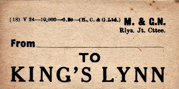 M&GN LUGGAGE/PARCEL LABEL - KINGS LYNN - M&GN trains used the GER station but had separate facilities - print date June 1920.