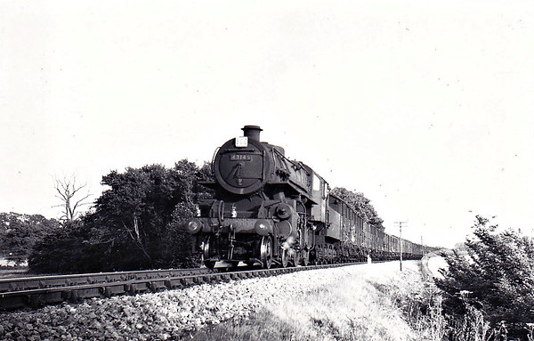 BR - 43145 - BR Ivatt Class 4MT 2-6-0 - built 09/51 by Doncaster Works - withdrawn 01/65 from 40E Colwick - seen here near Drayton on a livestock special.