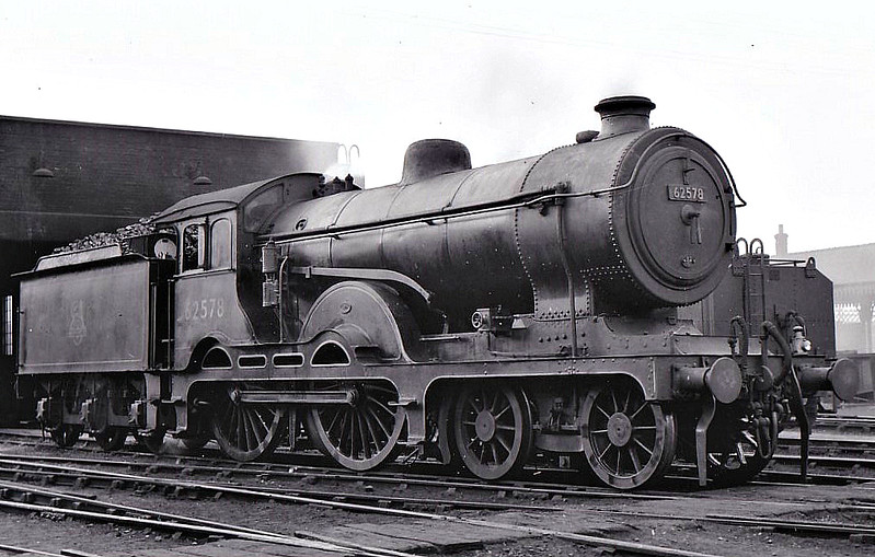 BR - 62578 - Holden GER Class D16 4-4-0 - built 12/09 by Stratford Works as GER No.1827 - 1924 to LNER No.8827, 11/46 to LNER No.2578, 04/48 to BR No.62578 - 10/57 withdrawn from 32G Melton Constable, where seen 09/53.