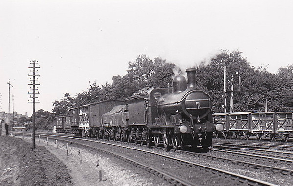 M&GN - 90 - Ivatt M&GN Class Da 0-6-0 - built 10/00 by Dubs & Co., Works No.3942 - 1926 rebuilt, 02/37 to LNER Class J4 No.090 - LNER No.4166 not applied - 07/46 withdrawn - seen here on 12/09/10 passing Extons Road Sidings on the 1215 Kings Lynn - Bourne Goods.