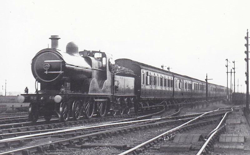 M&GN - 53 - Johnson M&GN Class C LNER Class D54 4-4-0 - built 1896 by Sharp Stewart & Co., Works No.4192 - 1910 rebuilt with Belpaire boiler to D54, 1925 rebuilt - 07/37 to LNER No.053 - 01/40 withdrawn from South Lynn, where seen 09/10.