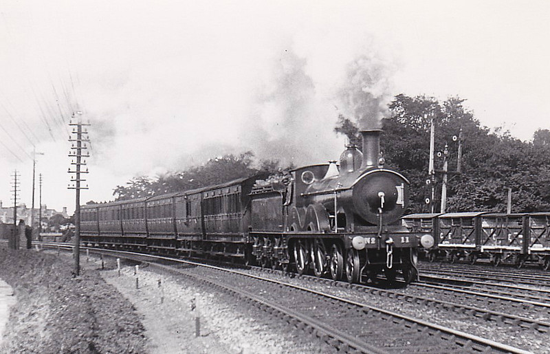 M&GN - 11 - Johnson Class C LNER Class D52 4-4-0 - built 1894 by Sharp Stewart & Co., Works No.4008, as M&GN No.11 - 1933 rebuilt - 09/37 to LNER No.011 - 08/42 withdrawn from New England - seen here passing Extons Road Sidings, 09/10.
