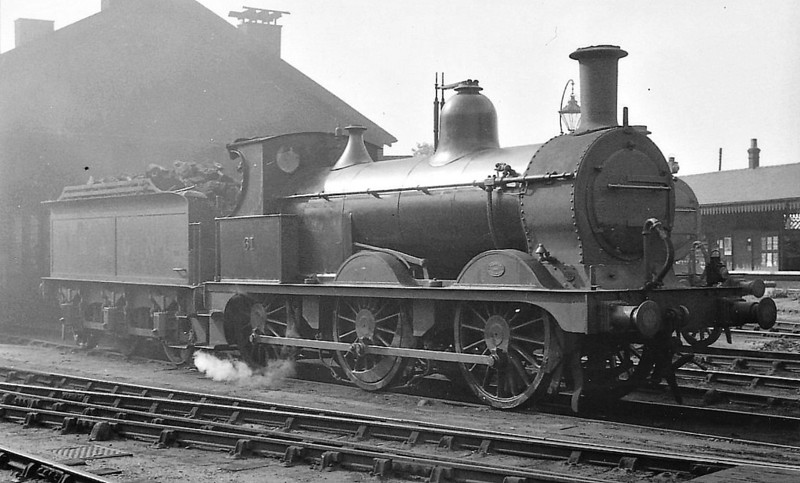 M&GN - 61 - Johnson M&GN Class D 2F 0-6-0 - built 08/1896 by Neilson & Co., Works No.5035 - 01/39 to LNER Class J40 No.061 - 12/42 withdrawn - seen here at Melton Constable, 06/38.