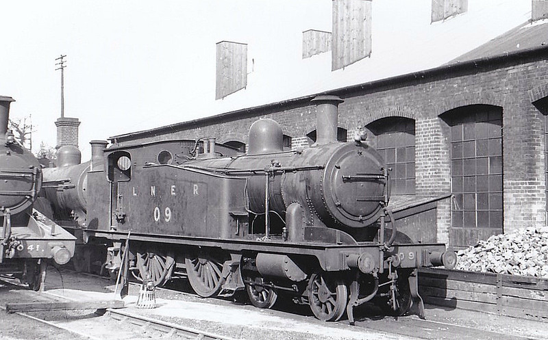 LNER - 0 9 - Marriott M&GN Class A LNER Class C17 4-4-2T - built 1909 by Melton Constable Works as M&GN No.9 - 1933 tank tops cut down to improve visibility - 1936 to LNER No.09 - 07/44 withdrawn from Melton Constable - seen here at Melton Constable Works, 03/39.