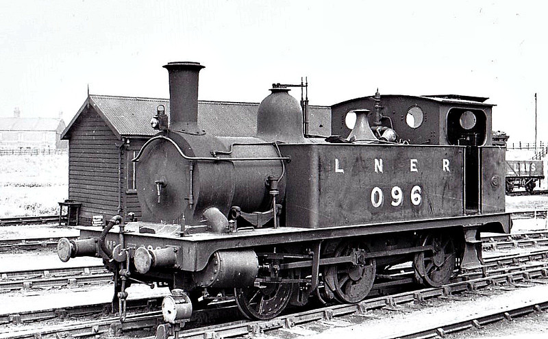 LNER - 096 - Marriott LNER Class J93 0-6-0T - built 04/1899 by Melton Constable Works as M&GN No.11A - 1907 to M&GN No.96, 03/37 to LNER No.096, 08/46 to LNER No.8484 - BR No.68484 not applied - 05/48 withdrawn from 31D South Lynn, where seen 05/37.