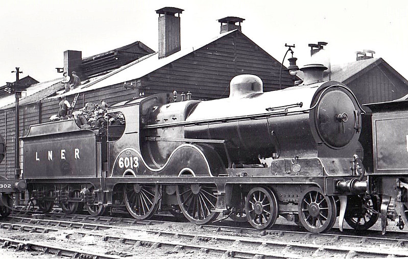 LNER - 6013 - Robinson GCR Class 11B LNER Class D9 4-4-0 - built 01/01 by Sharp Stewart & Co. as GCR No.1013 - 03/26 to LNER No.6013, 12/46 to LNER No.2300, 03/48 to BR No.62300 - 11/49 withdrawn from 13A Trafford Park - seen here at South Lynn, 05/37.