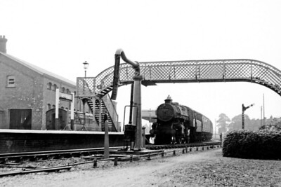 BR - 43060 - BR Ivatt Class 4MT 2-6-0 - built 10/50 by Doncaster Works - 12/64 withdrawn from 40E Colwick - seen here at Bourne awaiting departure to Spalding.