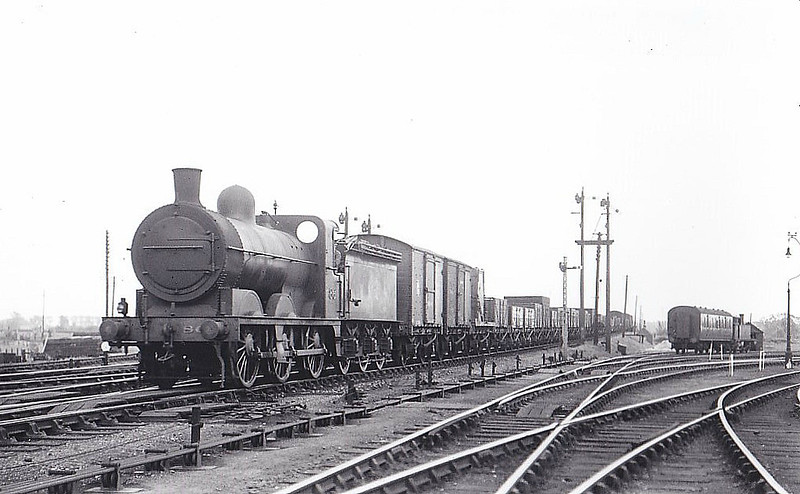 M&GN - 86 - Ivatt M&GN Class Da 0-6-0 - built 10/00 by Dubs & Co., Works No.3938 - 1927 rebuilt - 01/37 to LNER Class J3 No.086, 1946 to LNER No.4161 - 09/47 withdrawn from South Lynn, where seen 06/36.