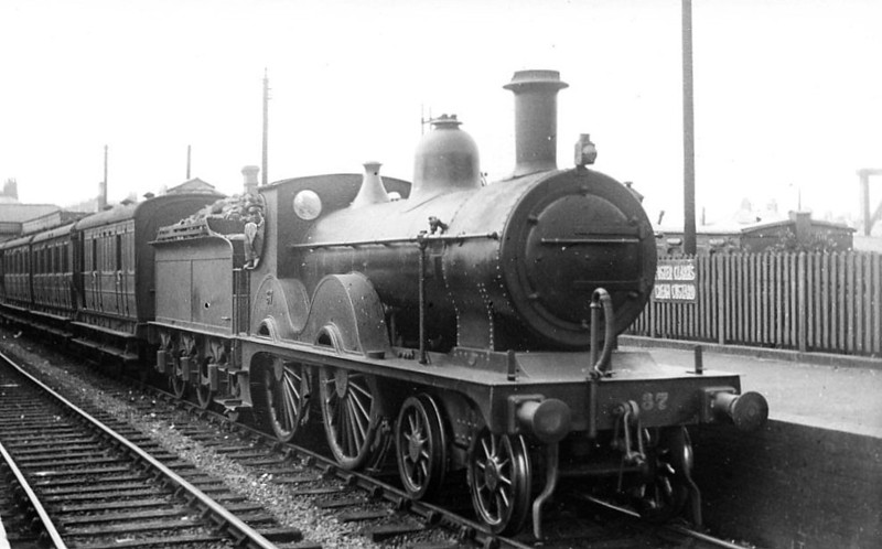 M&GN - 37 - Johnson M&GN Class C LNER Class D52 4-4-0 - built 1894 by Sharp Stewart & Co., Works No.3989 - 1908, 1924 rebuilt - LNER No.037 not applied - 02/37 withdrawn from Melton Constable -  seen here at South Lynn in 1933.