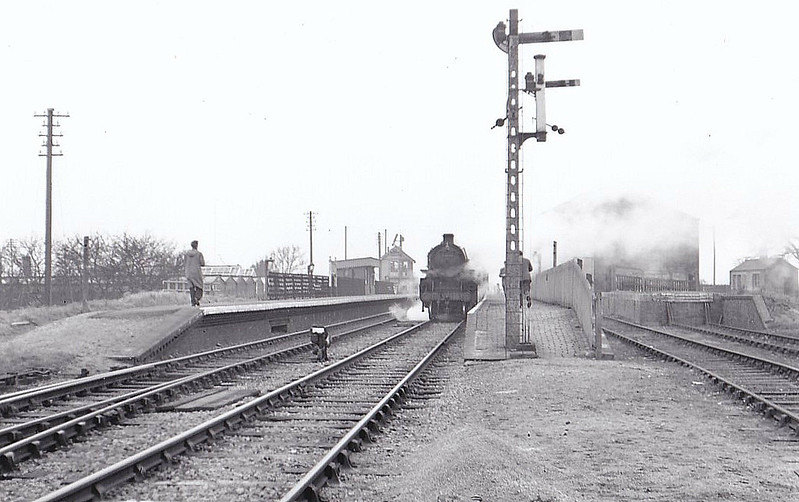 BR - 43080 - BR Ivatt Class 4MT 2-6-0 - built 12/50 by Darlington Works - 06/65 withdrawn from 41E Staveley - seen here at Gedney, 02/59.