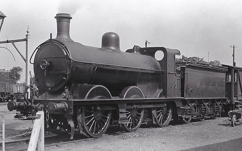 M&GN - 85 - Ivatt M&GN Class Da 0-6-0 - built 10/00 by Dubs & Co., Works No.3937 - 1926 rebuilt, 02/37 rebuilt to LNER Class J4 No.085, 1946 to LNER No.4160, 11/48 to BR No.64160 - 12/51 withdrawn from 35A New England - last M&GN locomotive in traffic - seen here at Sutton Bridge, 09/28.