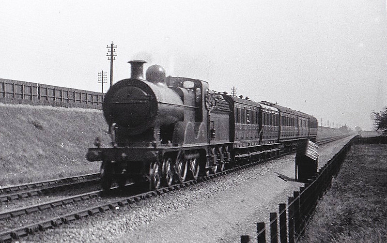 M&GN - 45 - Johnson M&GN Class C LNER Class D54 4-4-0 - built 1894 by Sharp Stewart & Co., Works No.3995 - 1909 rebuilt with Belpaire boiler, 1926 rebuilt to Class D54 - LNER No.045 not applied - 11/36 withdrawn from S0uth Lynn - seen here just east of Sutton Bridge, 09/28.