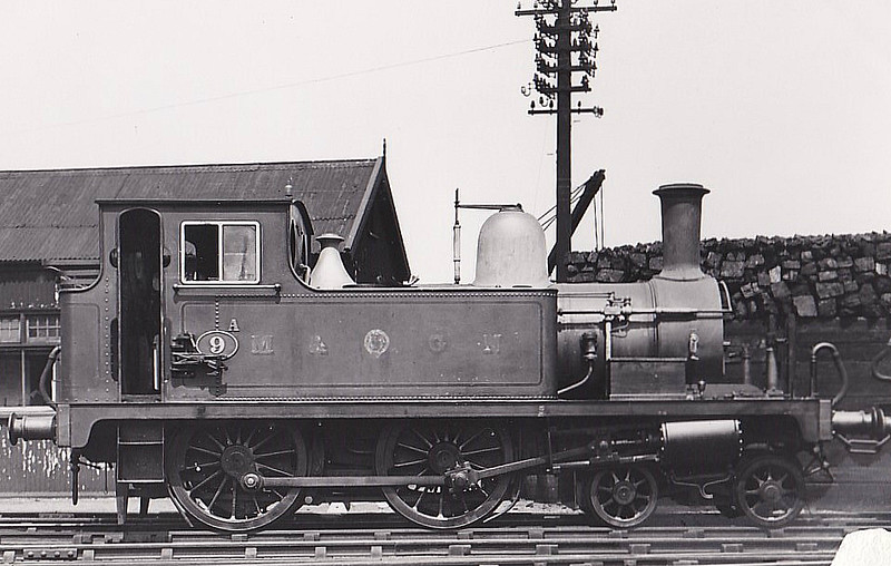 M&GN -  9A - Bromley Lynn & Fakenham Railway Class B 4-4-0T - built 06/1879 by Hudswell Clarke Ltd, Works No.211, as L&FR No.9 FAKENHAM - 1909 to M&GN No.9A - 1933 withdrawn - regular engine on the Mundesley branch in later years - seen here at Melton Constable in 1929.
