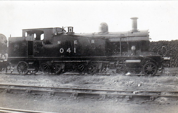 LNER - 041 - Marriott M&GN Class A LNER Class C17 4-4-2T - built 1904 by Melton Constable Works as M&GN No.41 - 1933/4 tank tops cut down to improve visibility - 1936 to LNER No.041 - 01/44 withdrawn from Melton Constable.