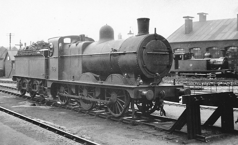 M&GN - 69 - Johnson M&GN Class D LNER Class J40 2F 0-6-0 - built 04/1899 by Kitson & Co., Works No.3876 - 1909 rebuilt, 01/21 rebuilt with Belpaire boiler to Class J41 - 03/37 to LNER No.069 - 07/42  withdrawn - seen here at Melton Constable.