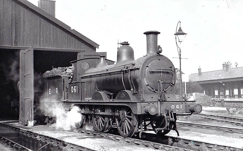 LNER - 061 -  Johnson M&GN Class D 2F 0-6-0 - built 08/1896 by Neilson & Co., Works No.5035 - 01/39 to LNER Class J40 No.061 - 12/42 withdrawn - seen here at Melton Constable, 03/39,