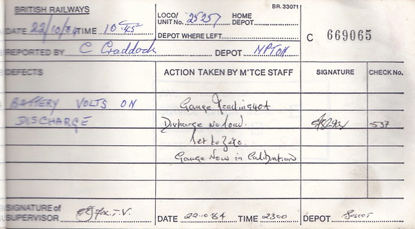DIESEL LOCOMOTIVE REPAIR BOOK - 25257 - No.669065 - Reported at Bescot on October 22nd, 1984 - 'Battery volts on discharge.'