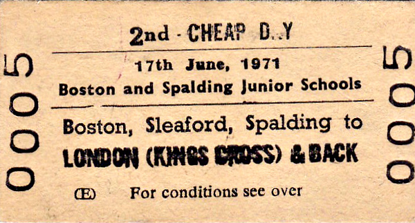 BR EDMONDSON TICKET - BOSTON/SLEAFORD/SPALDING - Second Class Day Return to Kings Cross for Boston and Spalding Junior Schools - dated June 17th, 1971. Probably a trip to the London museums.