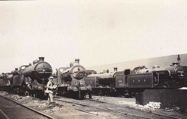 KINGS CROSS LOCOSHED, August 1921 (2) - In the shed yard. Identifiable are Class C1 Atlantic No.274, 'Long Tom' Class Q1 0-8-0 No.436 and Class N2 0-6-2T No. 1769. Note the 'Gentleman Spotter'!