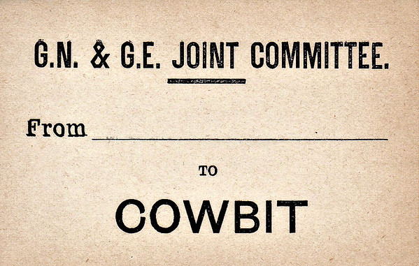 GN/GE JOINT LUGGAGE LABEL - COWBIT - Pronounced CUBBIT, for the benefit of non-Fenlanders, this was the last stop before Spalding on the line from March. The station, signalbox and goods shed all still stand and are in use. The station buildings are particularly nicely restored.