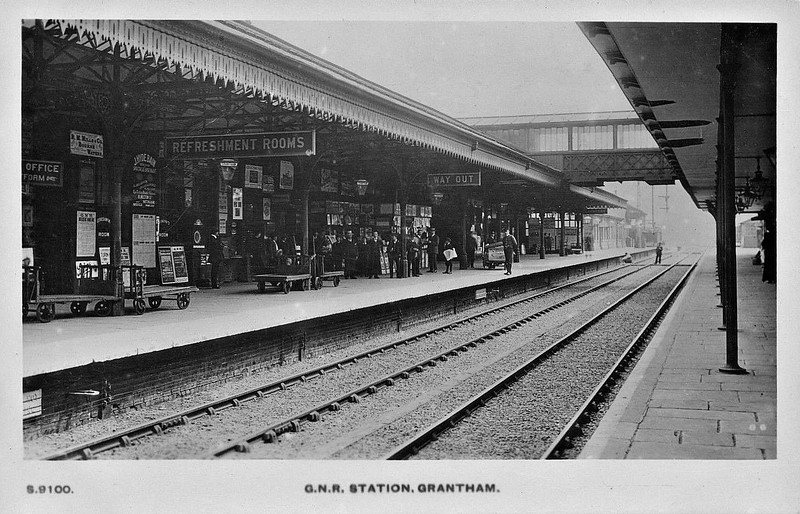 GRANTHAM - Looking south along Platform 2 in about 1910. Despite being a very important station and a major engine-changing point, the station was built in typical Great Northern style, best described as 'every expense spared'.