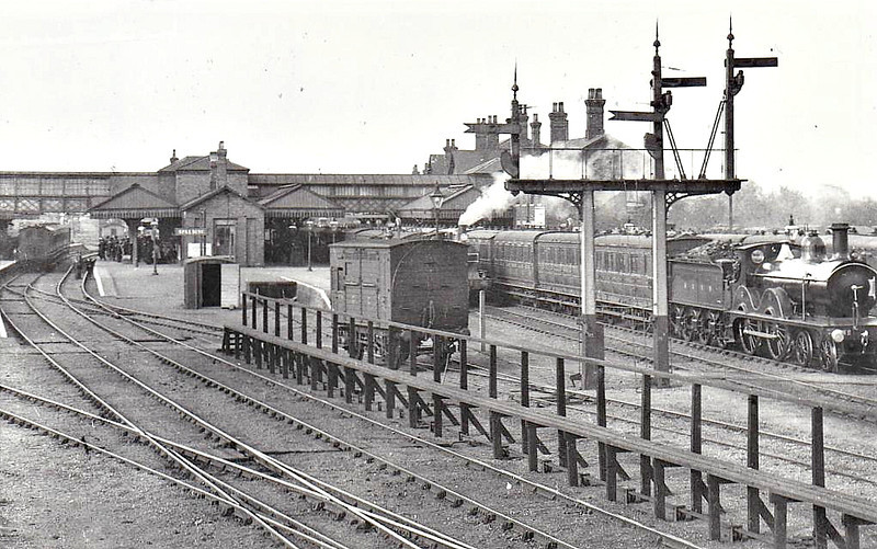 SPALDING - seen here in about 1910. It is difficult to believe today what a major railway centre Spalding once was - 7 platforms and the junction of no less than 6 lines! Here we look northeast from the signalbox with no less than three trains in the platforms that we can see, the one on the right being headed by an M&GN Johnson 4-4-0.